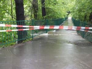 Hochwasser Kreuzteiche Fussweg 3