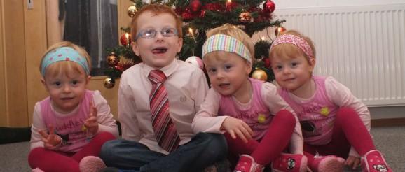 Die Kinder der Familie Birkhahn, Alexander + Drillinge.