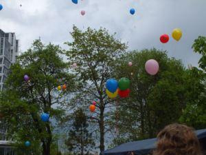 Luftballons am Himmel - Frühchentreffen im Klinikum Chemnitz 2015