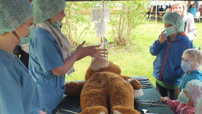 Teddybärklinik Beitragsbild - Frühchentreffen im Klinikum Chemnitz 2015